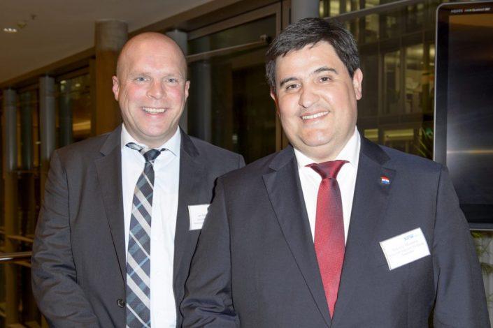 Jan Sönke Eckel und Roberto Maidana